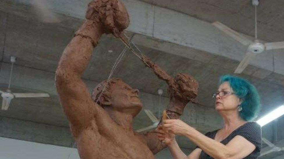 The statue of David Pearce being created by Laury Dizengremel