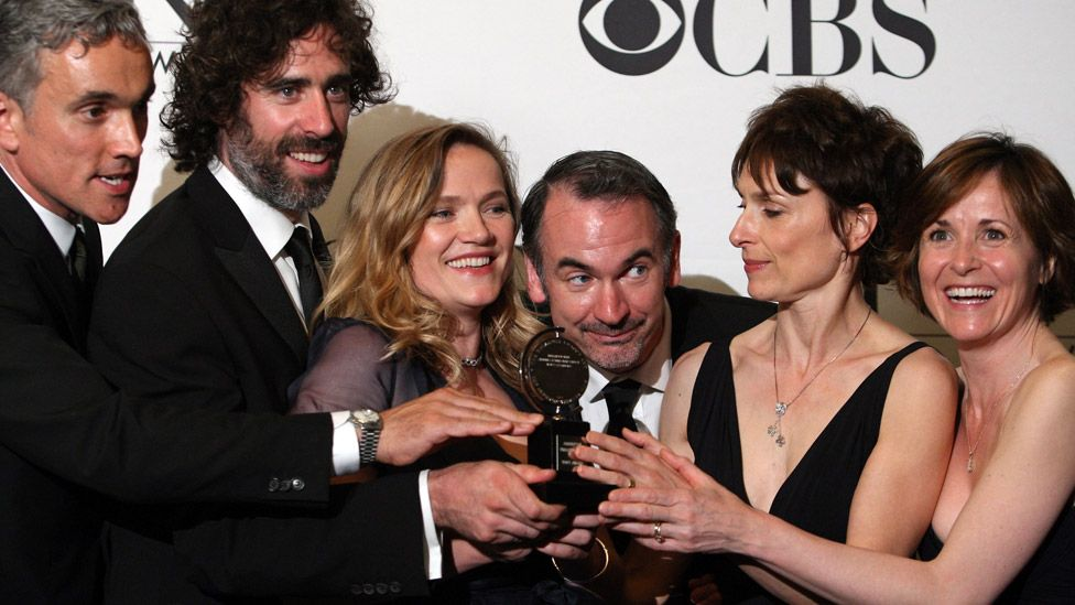 Ritter (centre) with his co-stars of The Norman Conquests at the 2009 Tony Awards
