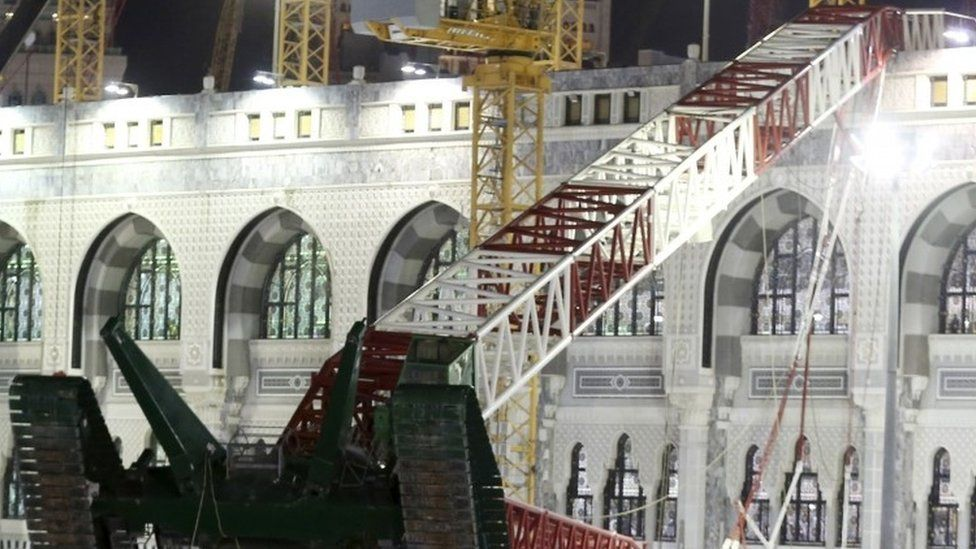 Crane which fell onto the Grand Mosque in Mecca, 12 September 2015