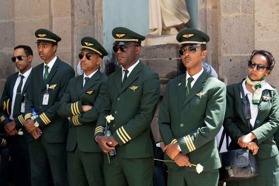 Ethiopian Airlines: Empty coffins buried after Boeing 737