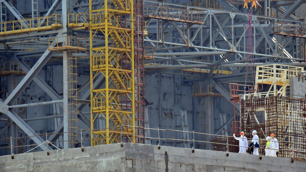 Employees at work on the Chernobyl Nuclear Power Plant sarcophagus