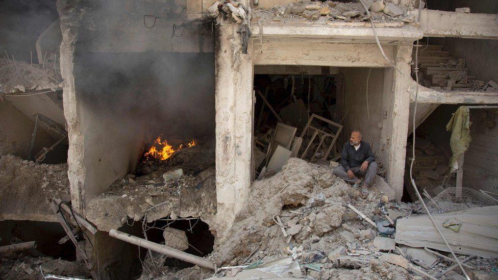 Aftermath of air strike in rebel-held Shaar district of Aleppo, Syria (8 June 2016)