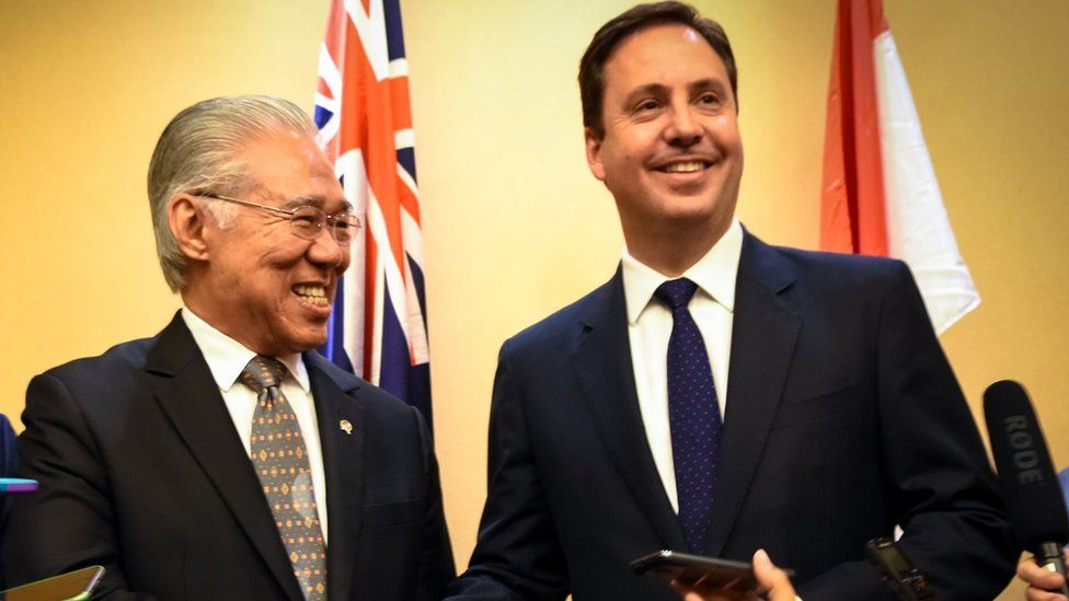 Steven Ciobo at a press conference with Indonesia's Trade Minister Enggartiasto Lukita in 2016