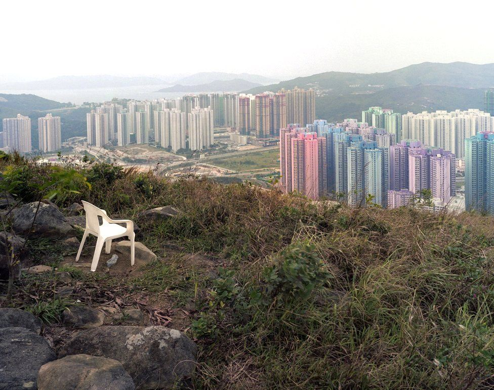 Foto da série Hong Kong: Porta da Frente/Porta Traseira, 2005