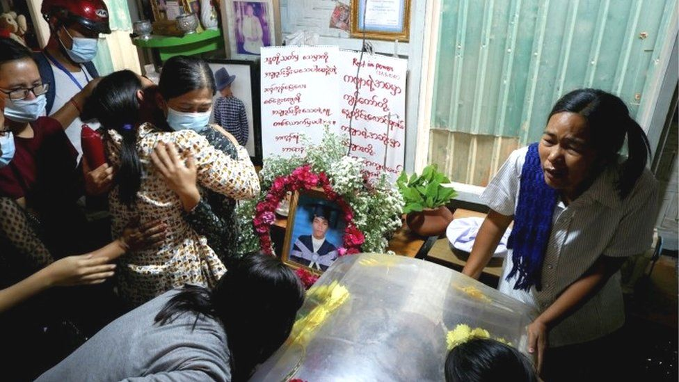 Mourners at the funeral for Kyaw Win Maung in Mandalay