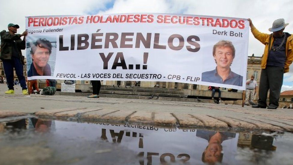 People protest against the kidnapping of Dutch journalists Derk Johannes Bolt and Eugenio Ernest Marie in Bogota, Colombia (21 June 2017)