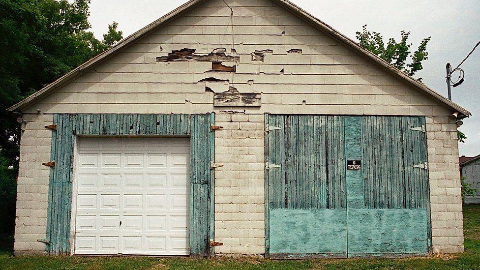 Garage front in Ontario