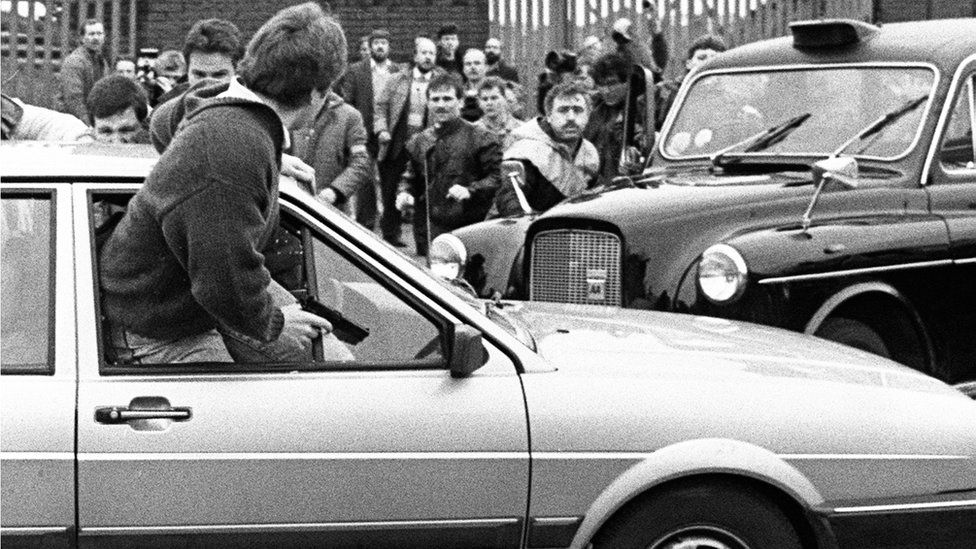 NI state papers: What happened in 1988? - BBC News