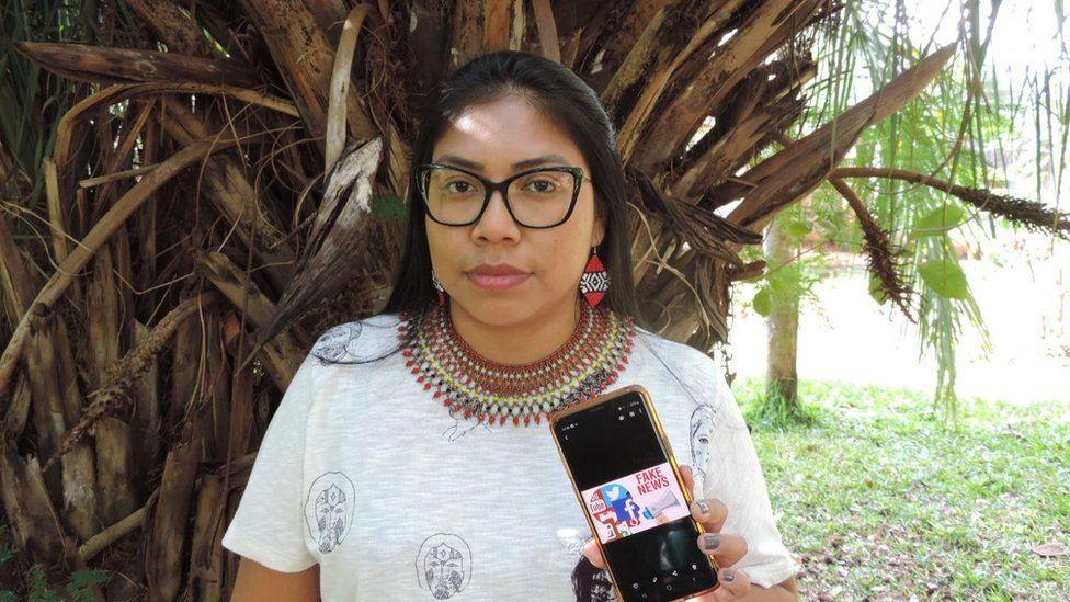Медсестра из числа коренного населения Индианара Мачадо