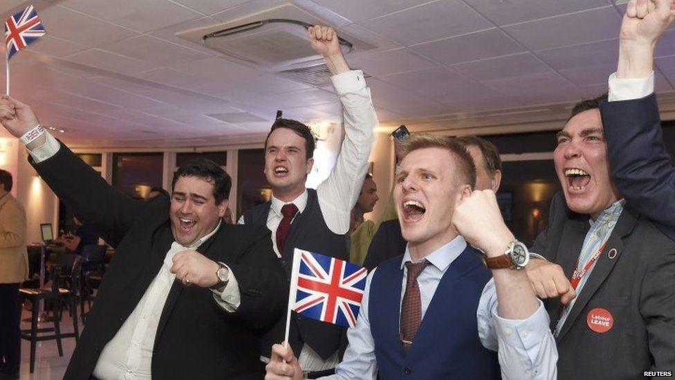 Vote Leave supporters celebrate