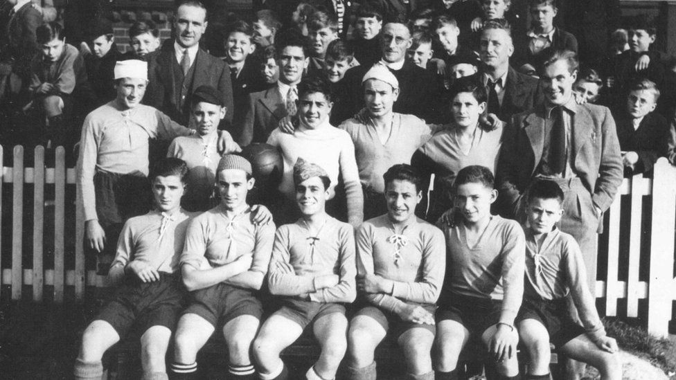 The Basque Boys at Wellesley Road, Great Yarmouth, Boxing Day 1937