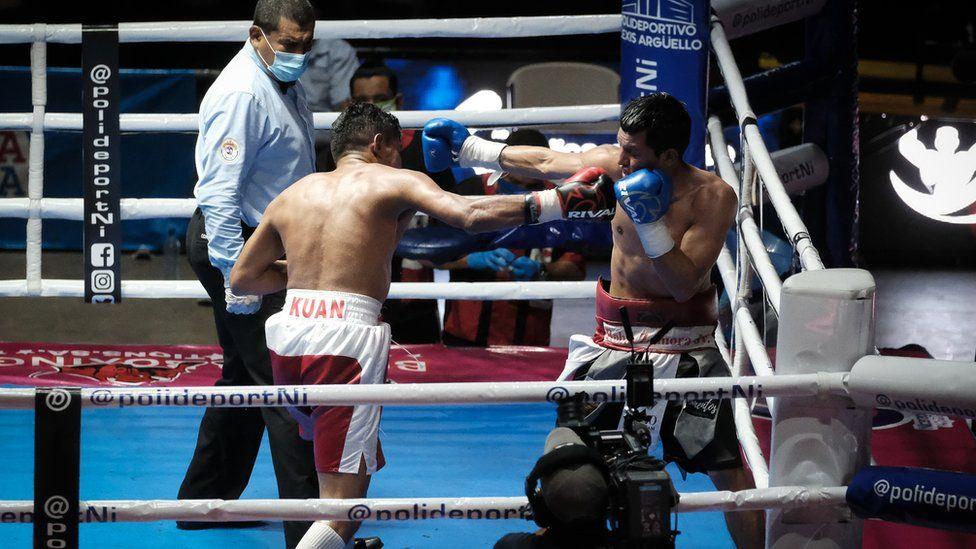 Robin Zamora and Ramiro Blanco box in Managua, Nicaragua