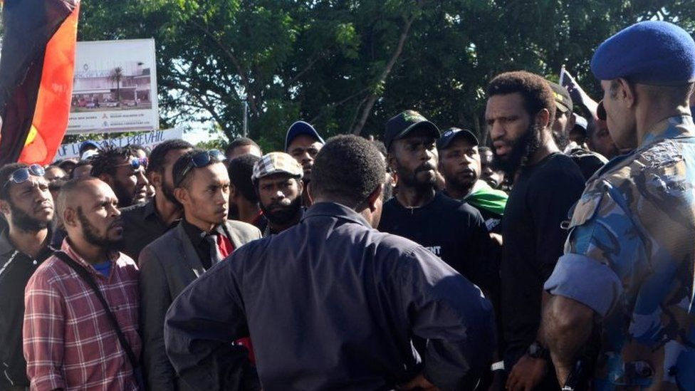 Students attempt to march from University of Papua New Guinea before being stopped by police in Port Moresby, Papua New Guinea. Photo: 8 June 2016
