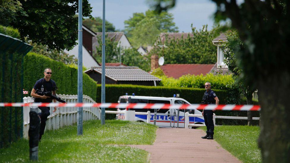 Police near crime scene in Magnanville, 14 Jun 16