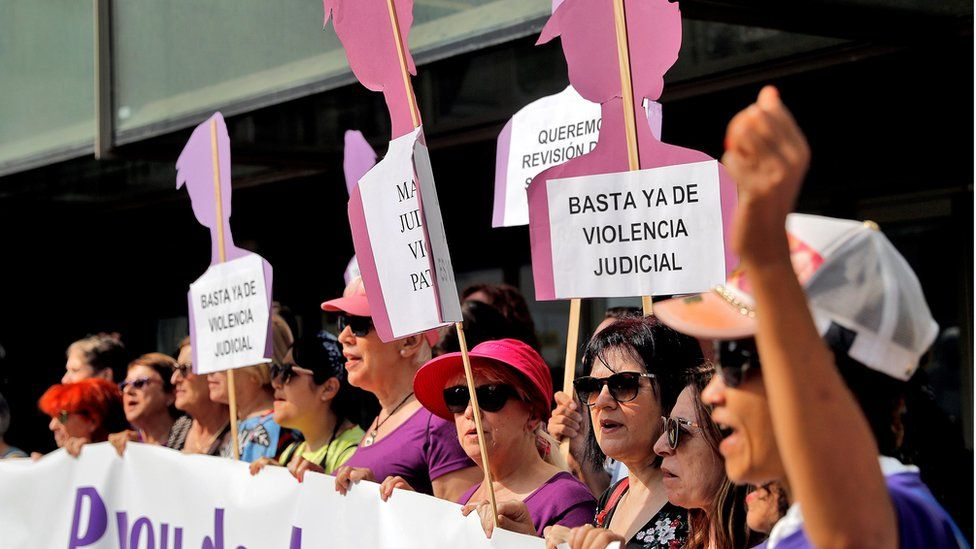 Women's rights protesters demonstrated outside the supreme court in Valencia on 21 June
