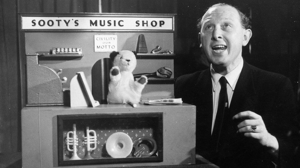 Harry Corbett and Sooty in 1955