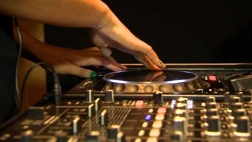 DJ at Pirate