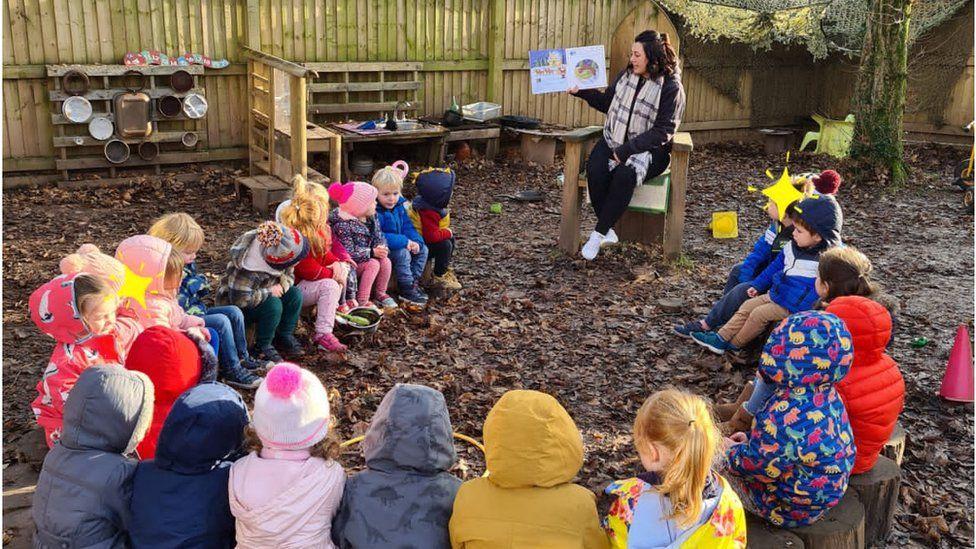 Teaching at the log circle