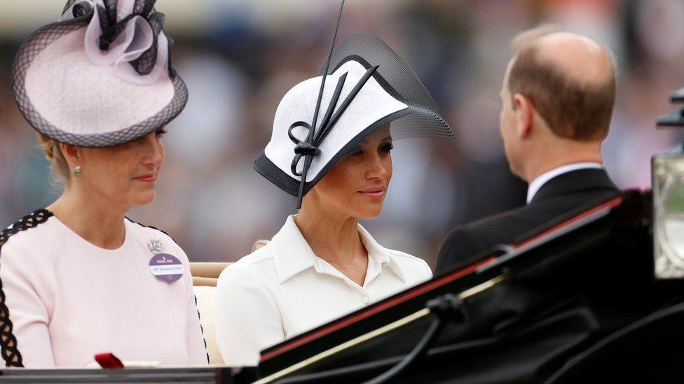 Герцогиня Сассекская и графиня Уэссекская в ландо