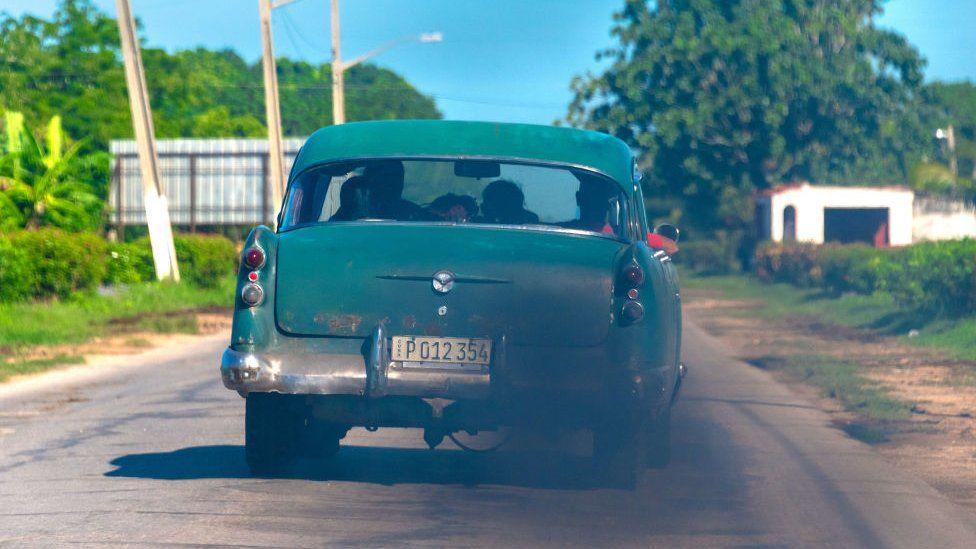 El gobierno de Cuba alerta sobre posible escasez de combustible y apagones en la isla