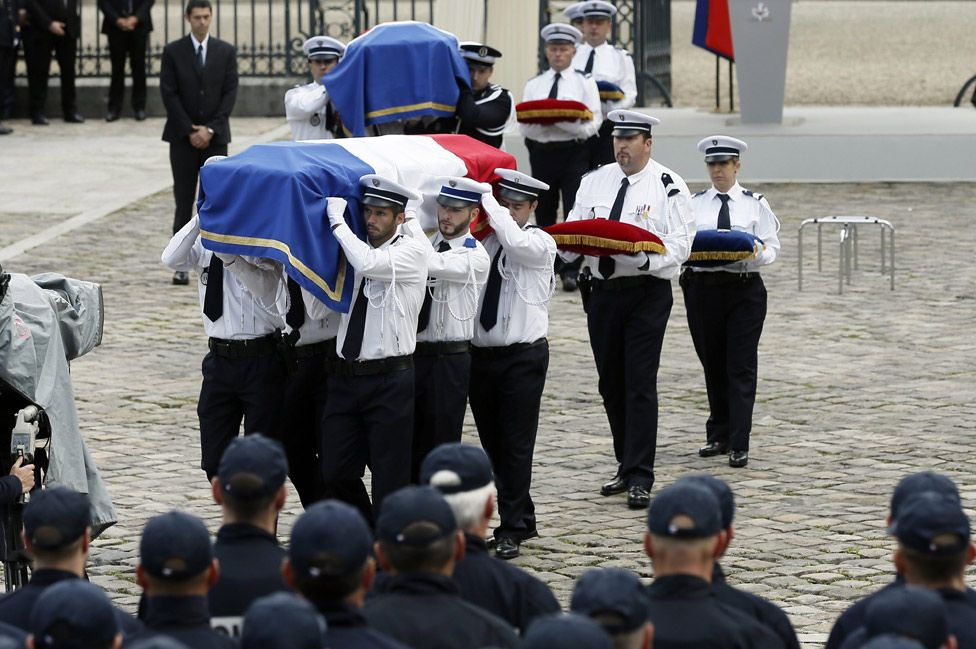 Yvelines Prefecture ceremony for Magnanville police murdered by Islamist, 17 Jun 16