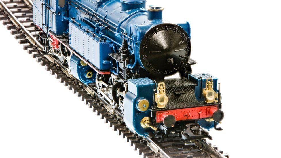 Model railway locomotive