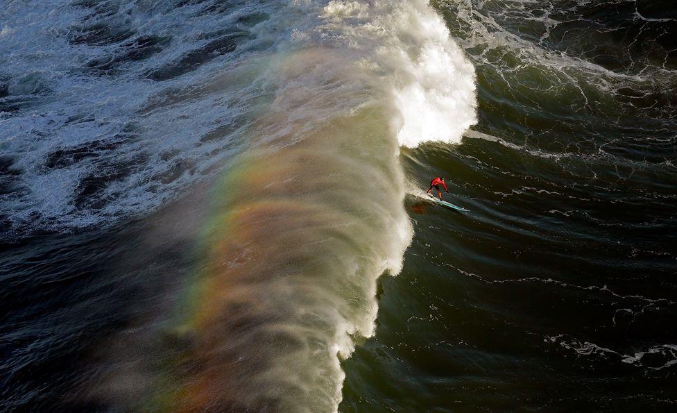 Las olas en Mavericks son formaciones que se aprecian como obras de arte.
