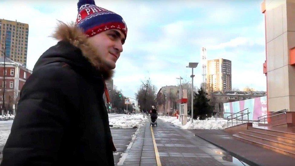 Ivan Mishukov heddiw, mewn golygfa o fideo 9Bach