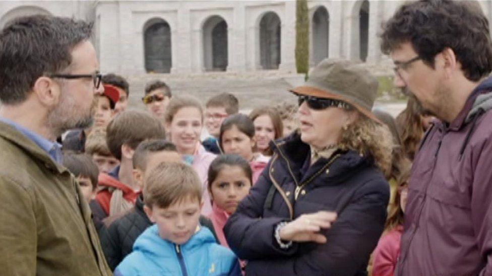 Richard Harrington meets local school children