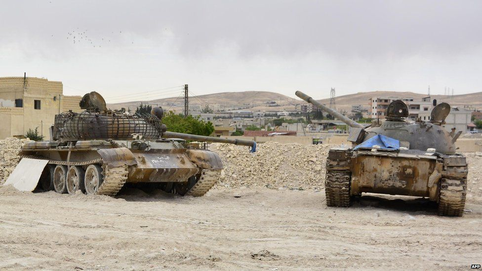 Syrian government tanks in the Qalamoun region north of Damascus (9 May 2015)