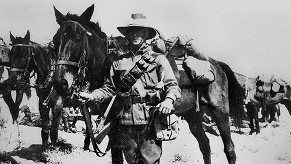 Cómo fue la batalla de Beersheba, una de las ofensivas más originales de la Primera Guerra Mundial
