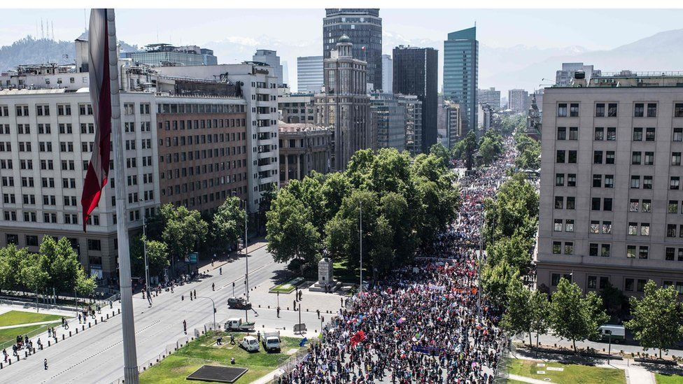 Mass demonstration on the streets of Santiago on Wednesday 30 October