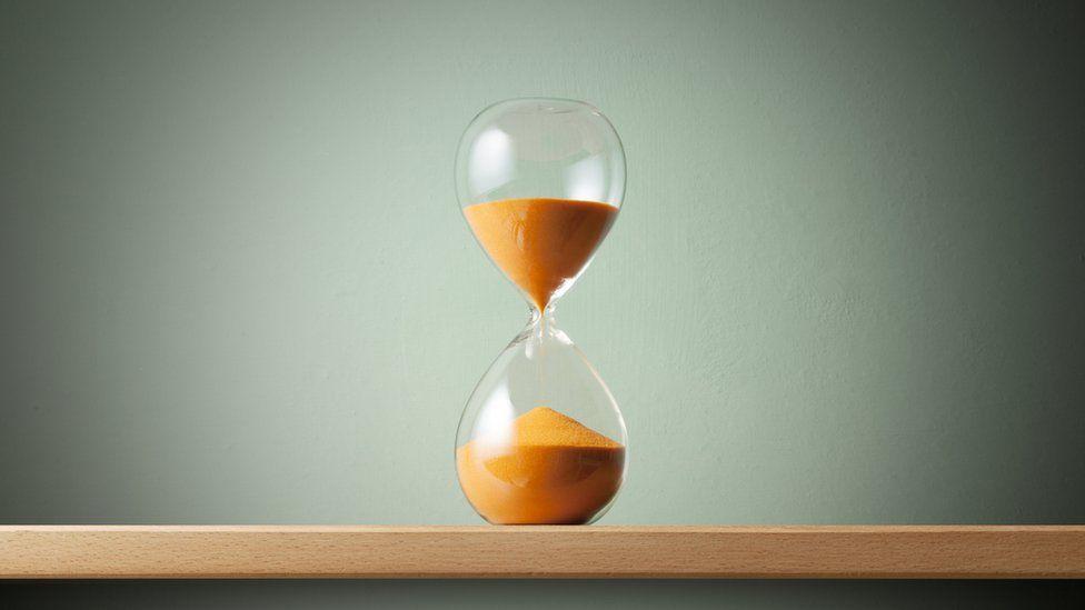 Por que o tempo parece passar mais devagar no auge da paixão - ou durante momentos traumáticos?