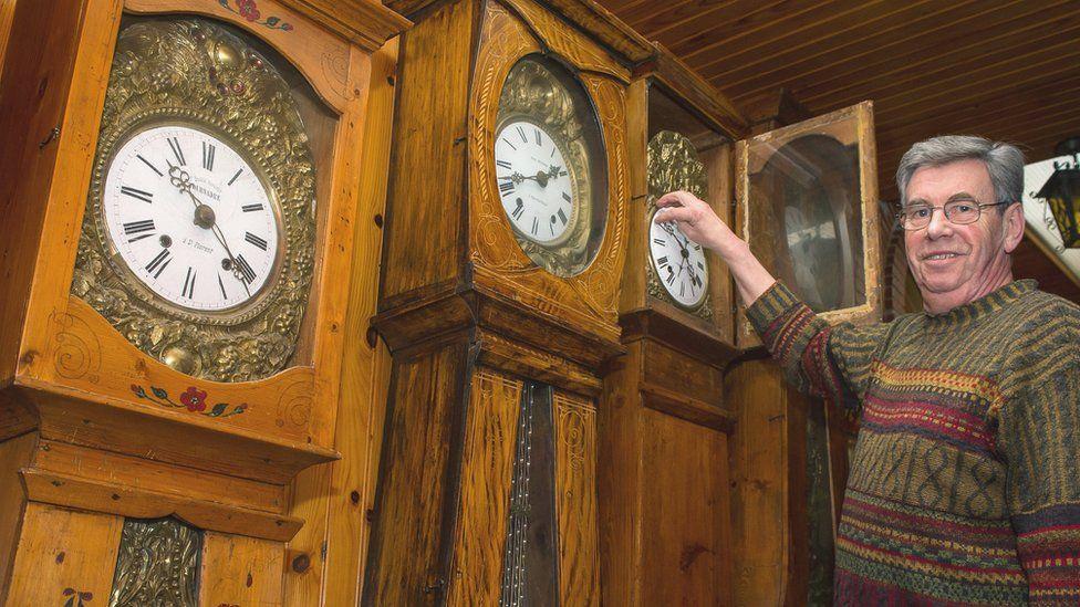Зарядка для ума: синхронизация часов