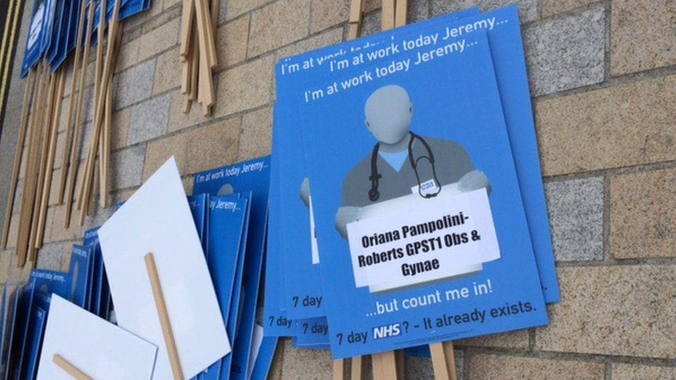 Junior doctors rally