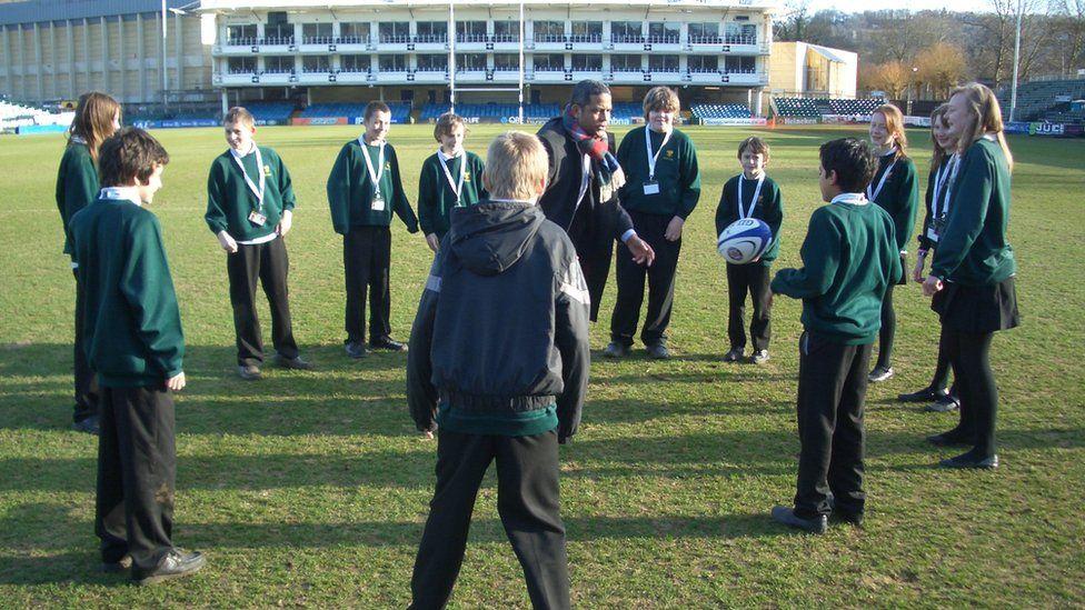 Jeremy Guscott and School Reporters