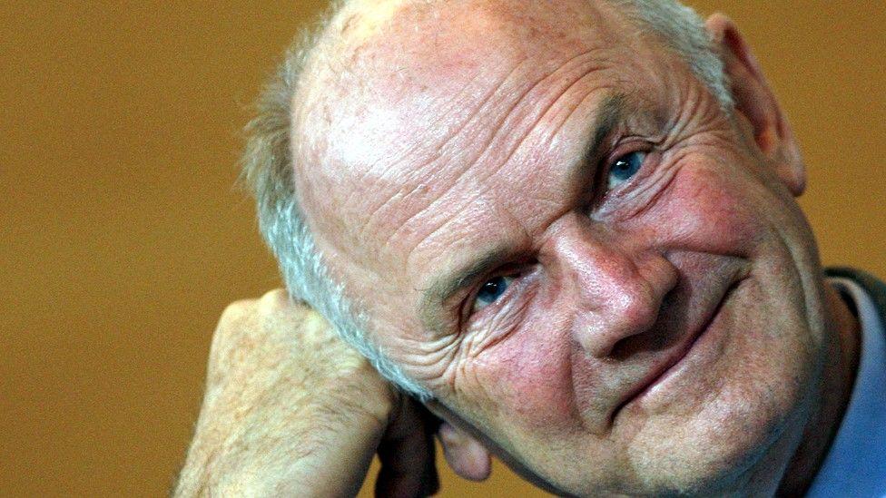 وفاة فرديناند بيتش، الذي أنقذ فولكسفاغن من الإفلاس