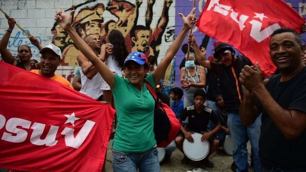 Supporters of Venezuela's President Nicolas Maduro in Caracas 22 April 2017