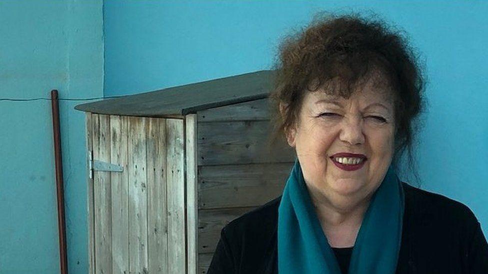 Lorraine Barrett