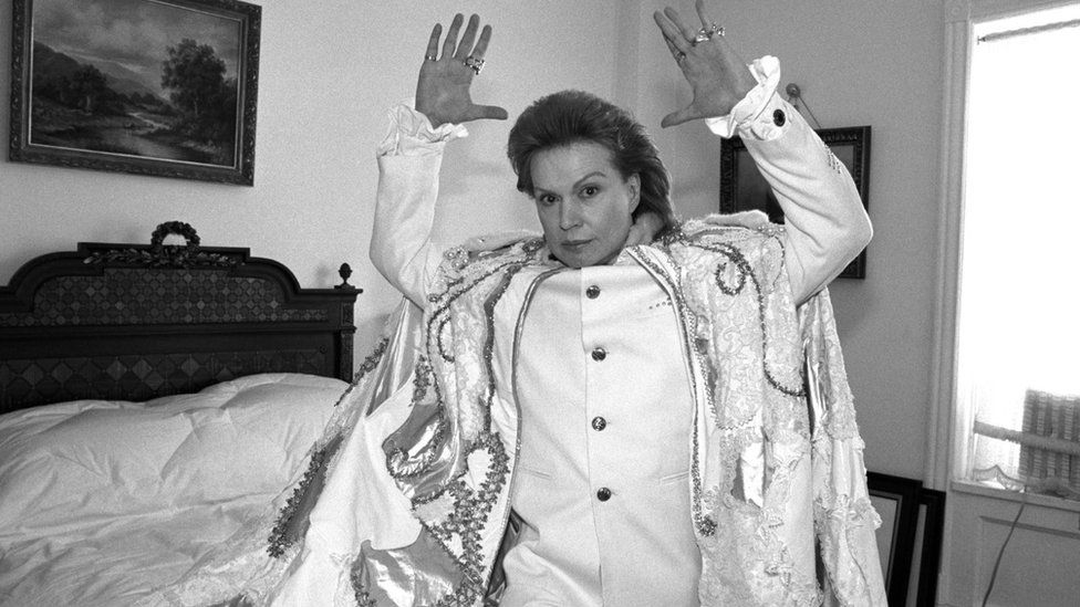 Puerto Rican astrologer Walter Mercado poses for a portrait in February 1996 in New York City, New York