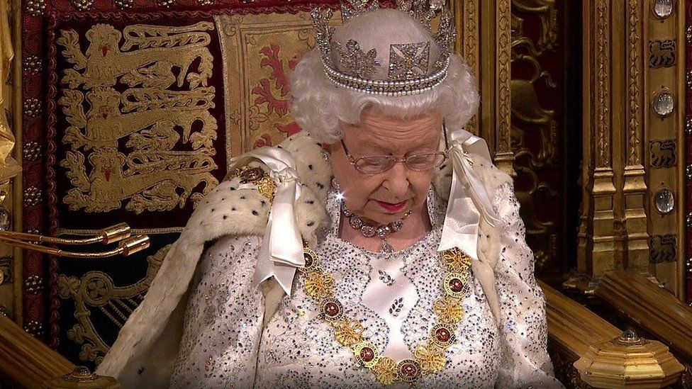 خطاب الملكة: تشريعات بشأن المهاجرين والصحة والبيئة