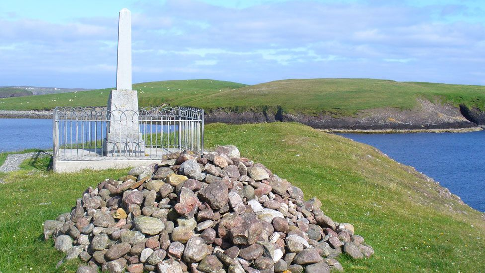 Memorial and cairn to the Iolaire disaster