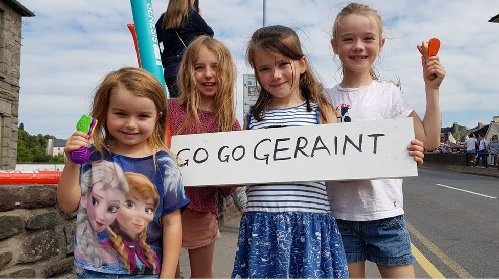 Young fans wait for Geraint Thomas in Brecon