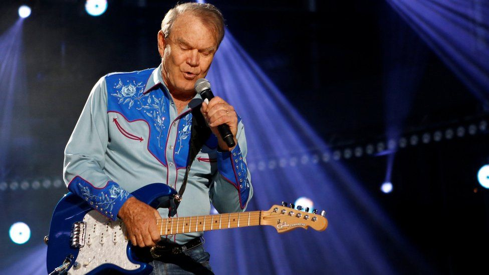 Glen Campbell performs during the Country Music Association (CMA) Music Festival in Nashville, Tennessee June 7, 2012