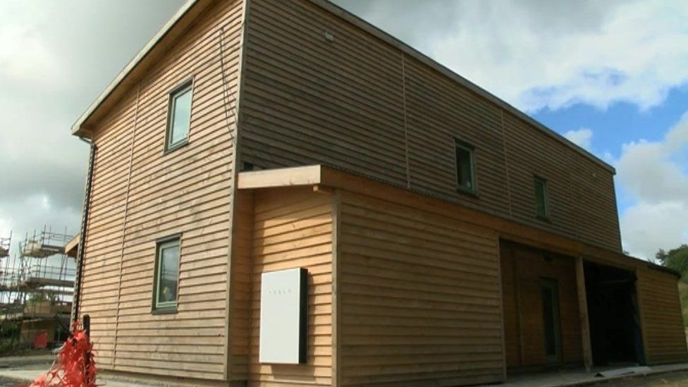 These new solar-powered timber homes in Pembrokeshire demonstrate the technology in new development
