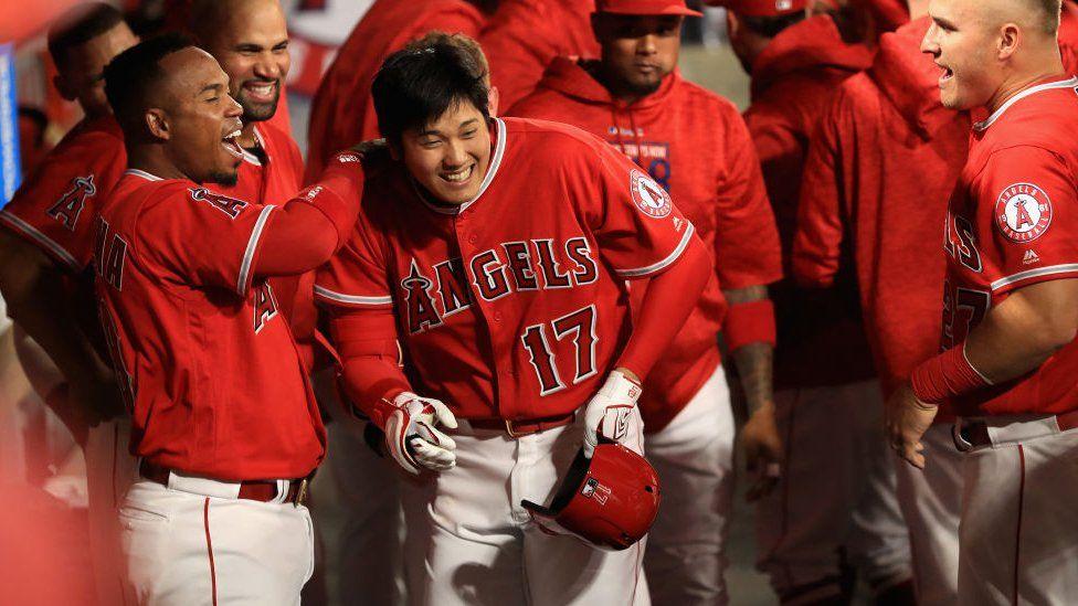 """""""De otro planeta"""": Shohei Ohtani, el beisbolista japonés que es dos jugadores en uno"""