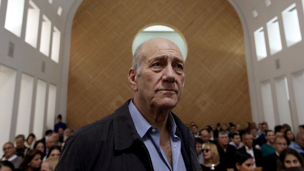Former Israeli prime minister Ehud Olmert is seen in the court room as he waits for the judges at the Supreme Court in Jerusalem on 29 December 2015