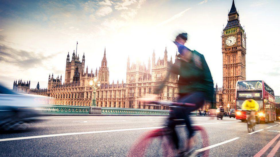 Cyclists on Westminster bridge