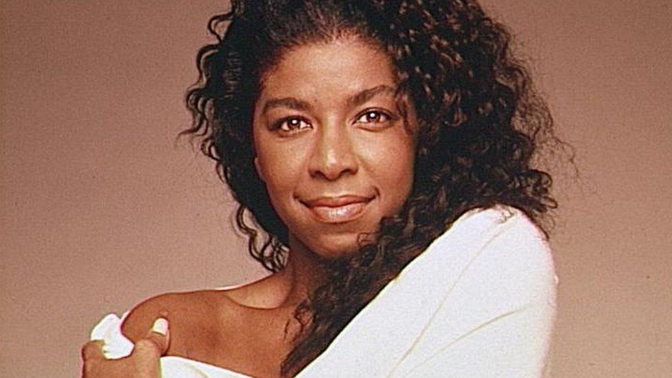 Natalie Cole on Top of the Pops in 1989