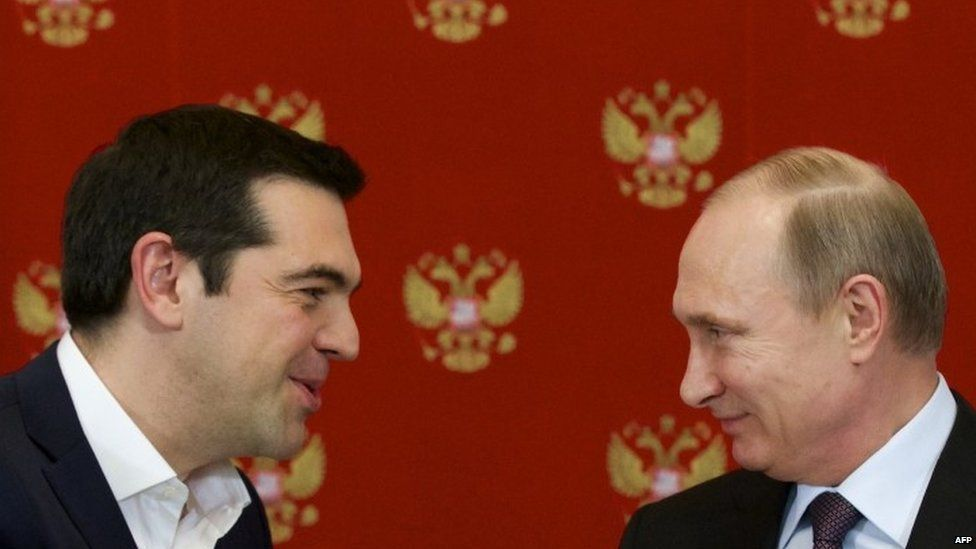 Greek Prime Minister Alexis Tsipras (left) speaks to Russian President Vladimir Putin during a signing ceremony at the Kremlin in Moscow (08 April 2015)